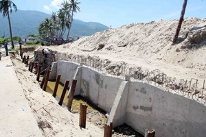 Various solutions to sea level rise in Vietnam
