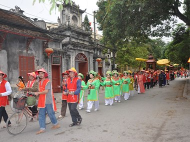Pho Hien folk cultural festival kicks off in Hung Yen