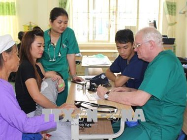 US volunteer doctors offer free health checkups to Cao Bang's poor