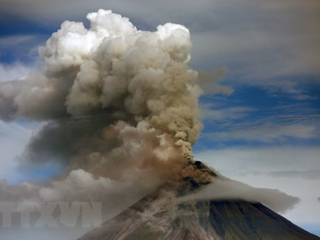 Philippines warns of unexpected eruption of Mayon volcano