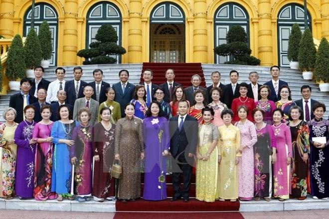 Vice President greets former Vietnamese teachers in Thailand