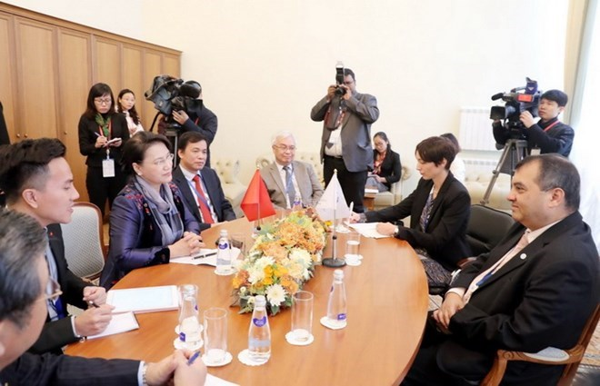 Top legislator meets IPU President in Saint Petersburg